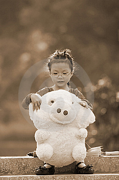Autumn Girl Royalty Free Stock Photos - Image: 6839628