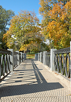 Autumn Park Stock Photography - Image: 6869572