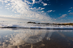 Small Wave Royalty Free Stock Photography - Image: 691187