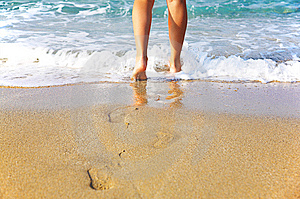Woman's Legs, Going To Sea Stock Photo - Image: 6907160