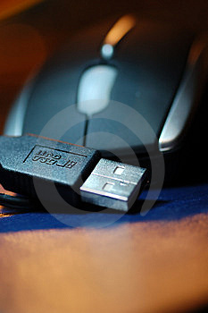 USB Plug With Mouse Royalty Free Stock Image - Image: 6909756
