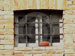 Παράθυρο και ράβδοι Στοκ φωτογραφία με δικαίωμα ελεύθερης χρήσης