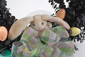 Bunny On Wreath Free Stock Photography