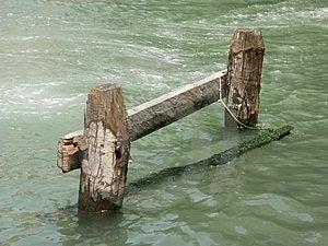 Amarre veneciano del barco Fotos de archivo