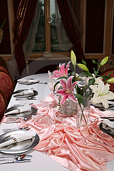 Elegant Dinning 3 Stock Photo - Image: 7006780