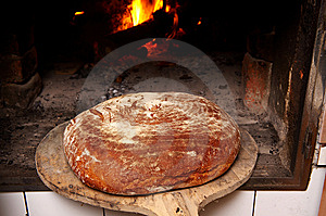 Fresh And Crunchy Home Made Bread Royalty Free Stock Photography - Image: 7007397