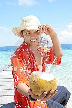 пляж к тропическому гостеприимсву Стоковые Изображения - изображение: 7025054