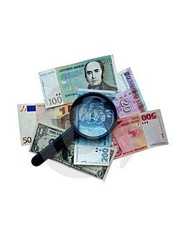 Lupa En Diversos Billetes De Banco Imagenes de archivo - Imagen: 7506814