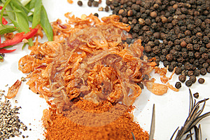 Fried Shallot Herbs And Spices Stock Photo - Image: 7716650