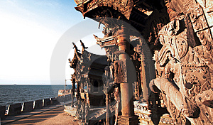 Attracting Pattaya The Santuary Of Truth Thailand. Royalty Free Stock Photo - Image: 7721725