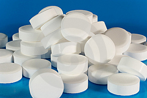 Closeup Of A Pile Of White Pills Stock Photos - Image: 7726193