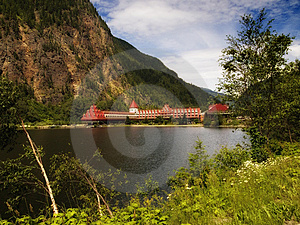 Hotel In Jasper, Canada Stock Images - Image: 7749474