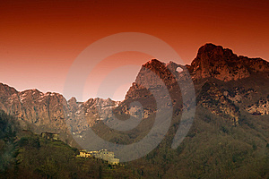 Mt Forato Apuan Alps In Tuscany Stock Photos - Image: 7759943
