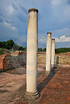 Ancient Romans Ruins Royalty Free Stock Photos - Image: 7783448