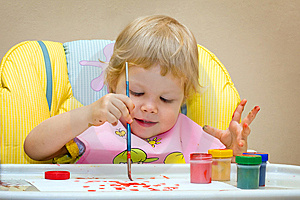 The Child Draws Paints Royalty Free Stock Images - Image: 7814269