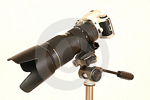 Professional Lens On The Tripod Royalty Free Stock Images - Image: 7824399