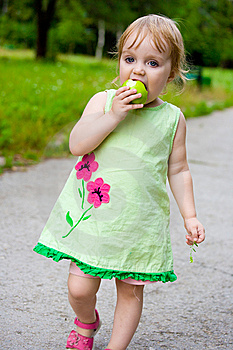 The Girl Eats Royalty Free Stock Photos - Image: 7949968