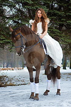 Frau Auf Einem Pferd Stockfotos - Bild: 7959253