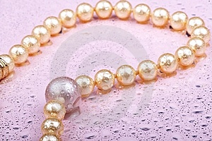 Pearls On Pink Royalty Free Stock Image - Image: 7977836