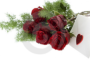 Red Roses With Envelope And Heart Royalty Free Stock Images - Image: 7988709
