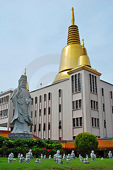 Buddha Statue With Stupa Royalty Free Stock Image - Image: 7989026