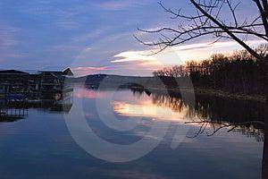 Boote angekoppelter @ Sonnenuntergang Stockbilder