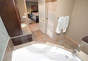 Bathroom Royalty Free Stock Photo - Image: 8013165