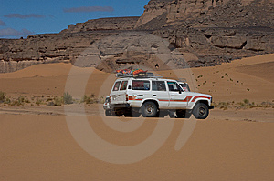 Jeep In Sahara Exploration Stock Images - Image: 8031574