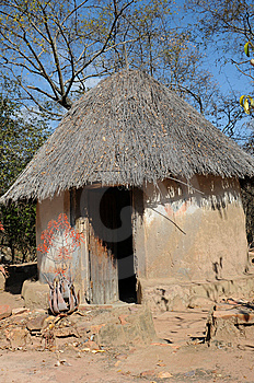African Hut Royalty Free Stock Images - Image: 8043129