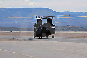 CH-47 Taxiing Stock Images - Image: 8064124