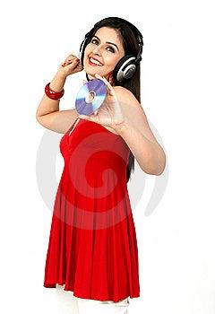 Femme Appréciant La Musique Image libre de droits - Image: 8067406