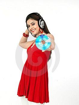 Mujer Que Disfruta De Música Foto de archivo libre de regalías - Imagen: 8067415