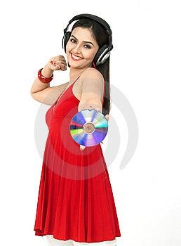 Femme Appréciant La Musique Photos libres de droits - Image: 8067448