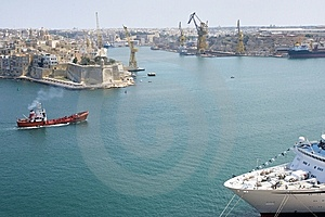 Malta Valetta Harbour With Cruiser Stock Photo - Image: 8082720