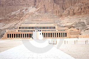 Al-Deir Al-Bahari Temple Stock Photo - Image: 8083340