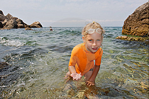 Happy Girl Shows Jellyfish In Hands Stock Image - Image: 8096821
