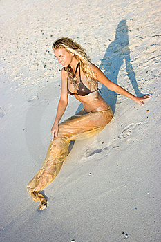Girl On The Beach Royalty Free Stock Images - Image: 8101509