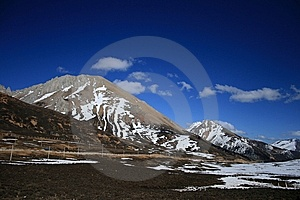 Cloud/snow Mountain Royalty Free Stock Image - Image: 8104896