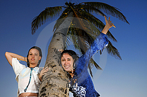 Two Girls Enjoying The Summer Royalty Free Stock Photography - Image: 8112247
