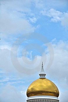 Golden Mosque Dome Royalty Free Stock Photography - Image: 8162187