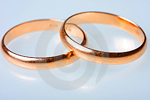 Two Golden Wedding Rings Royalty Free Stock Images - Image: 8172489