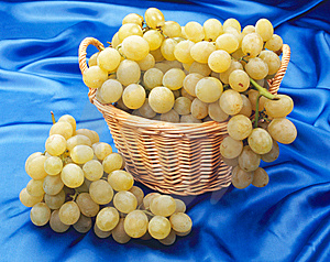 Grape In A Basket Royalty Free Stock Images - Image: 8216449