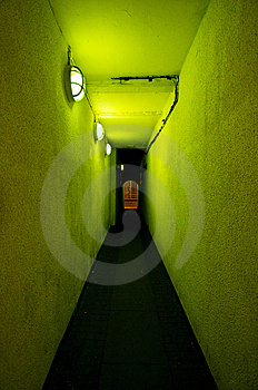 Green Alley Royalty Free Stock Images - Image: 8217479