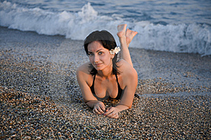 Fille Sur La Plage Photo libre de droits - Image: 8254995