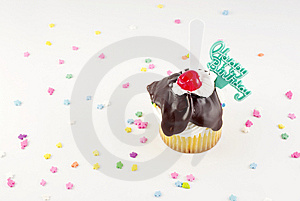 Happy Birthday Sundae Cupcake Royalty Free Stock Images - Image: 8284969