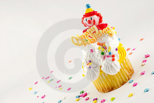 Happy Birthday Clown Cupcake Royalty Free Stock Images - Image: 8285139