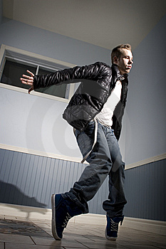 Hip Hop Dancer On Tippy Toes Royalty Free Stock Images - Image: 8337389