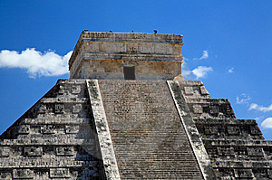 The Temples Of Chichen Itza Temple In Mexico Stock Photos - Image: 8348903