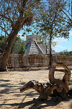 The Temples Of Chichen Itza Temple In Mexico Royalty Free Stock Photos - Image: 8348968