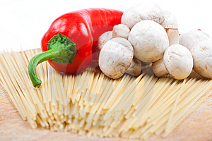 Pasta And Vegetables Royalty Free Stock Photos - Image: 8367018